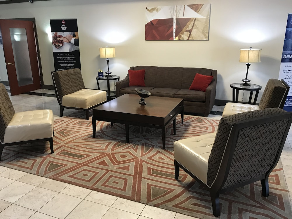 Lobby Sitting Area, Best Western Plus Milwaukee Airport Hotel & Conference Ctr