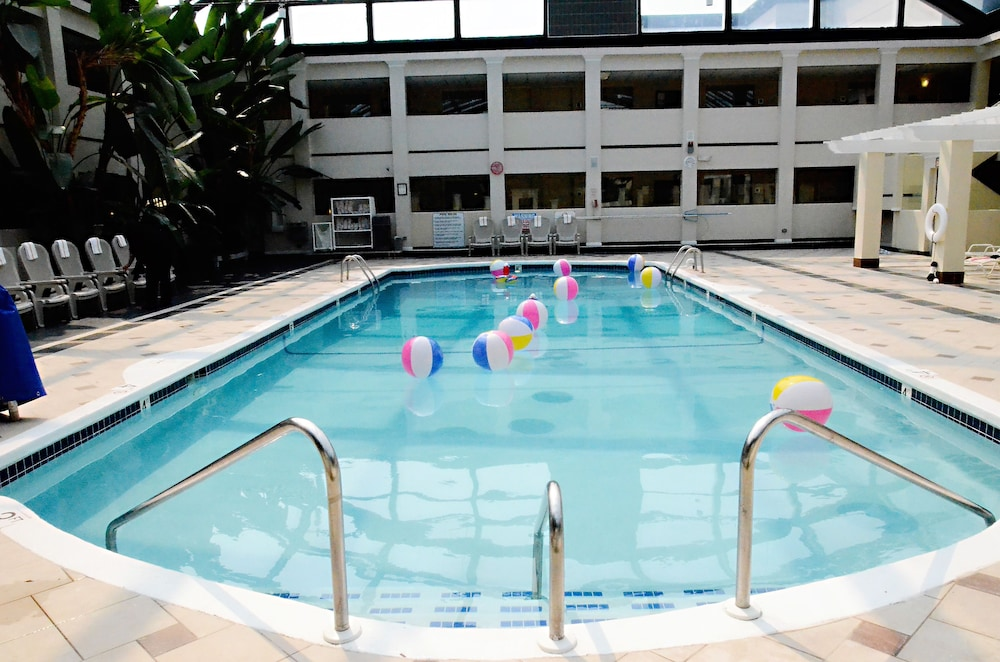 Indoor Pool, Best Western Plus Milwaukee Airport Hotel & Conference Ctr