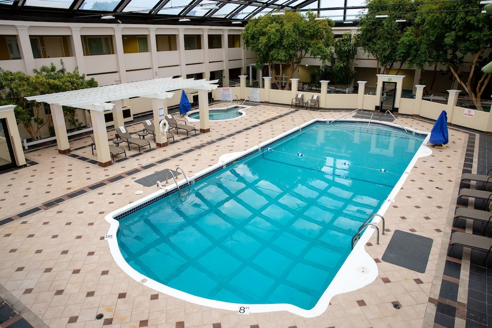 Pool, Best Western Plus Milwaukee Airport Hotel & Conference Ctr
