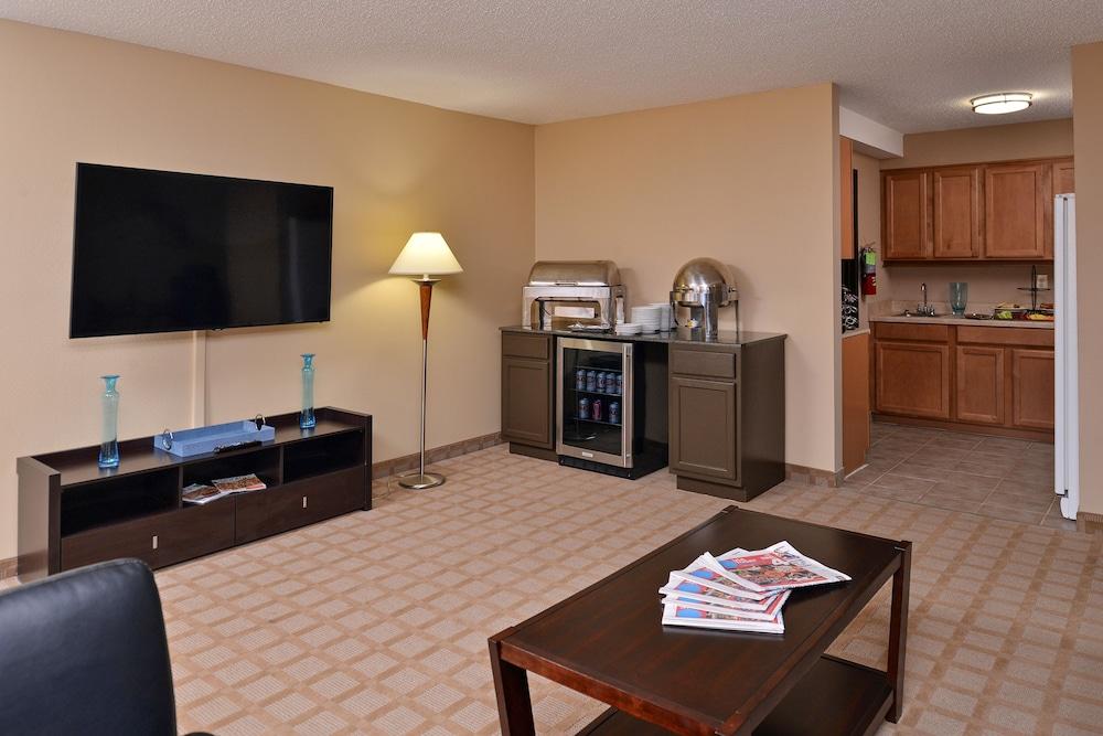 pleasing home design center shreveport. Executive Lounge  Shreveport Garden Inn 2018 Room Prices Deals Reviews Expedia