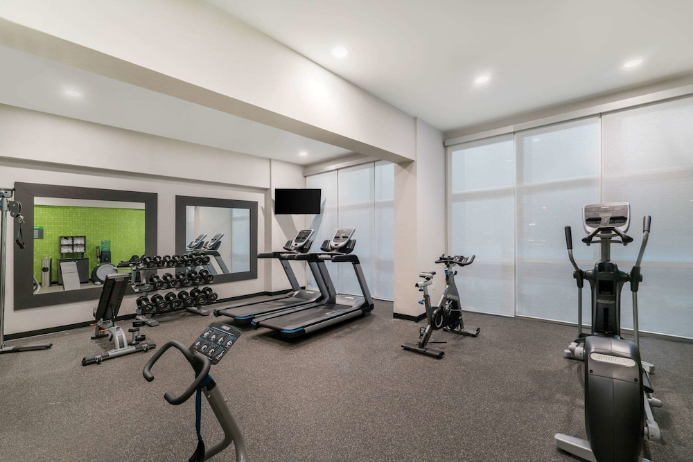 Fitness Facility, La Quinta Inn & Suites by Wyndham Mobile