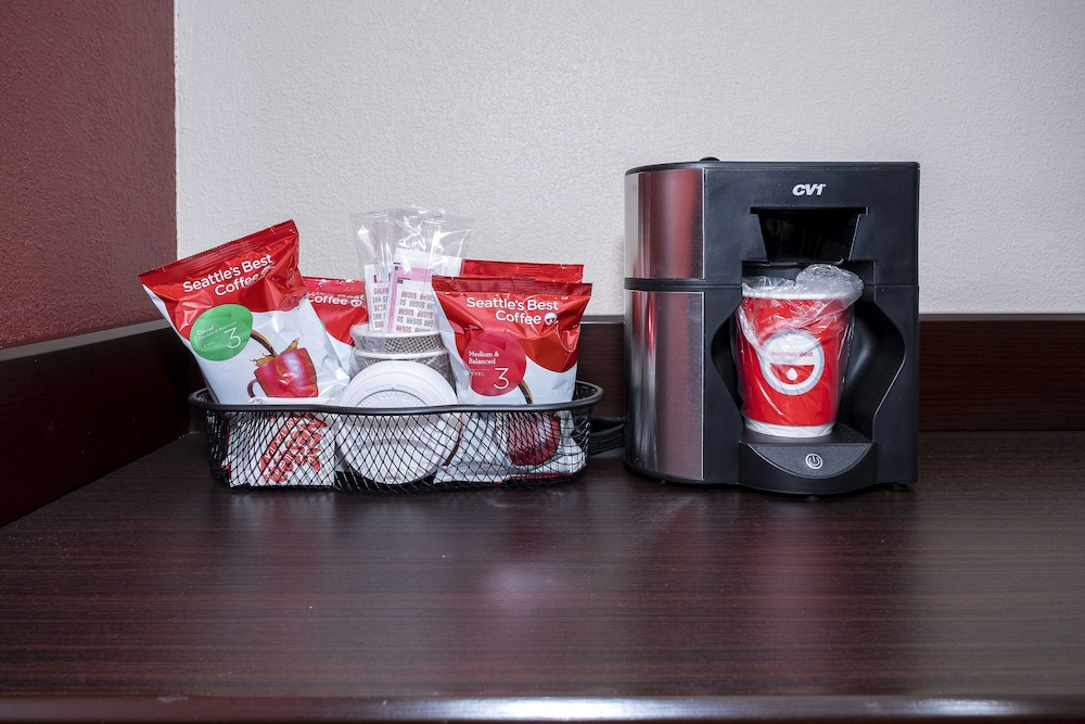 Coffee and/or Coffee Maker, Red Roof Inn PLUS+ Huntsville - Madison