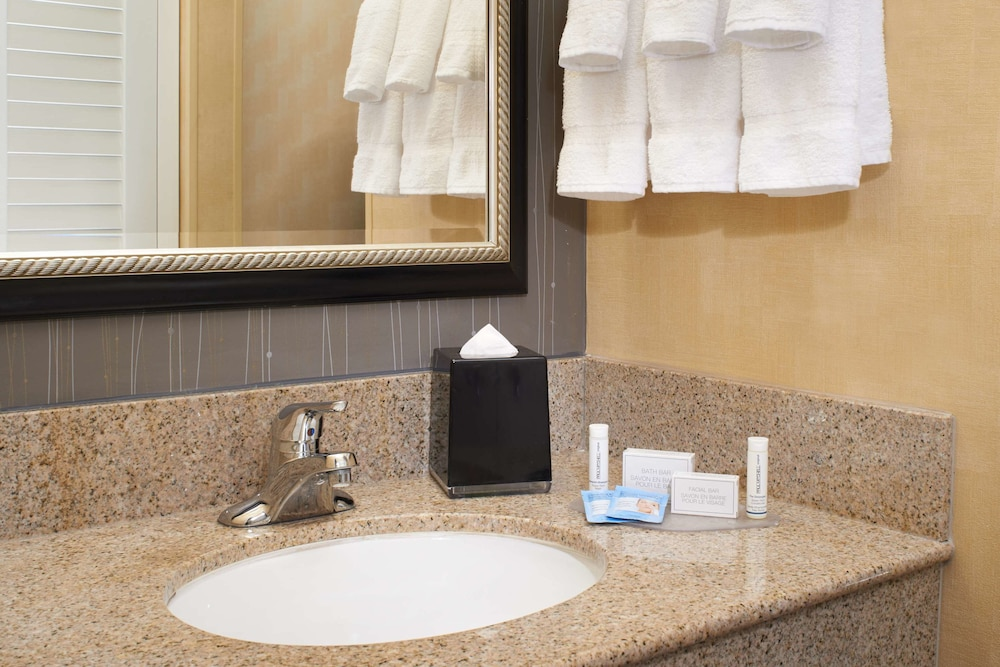 Bathroom, Courtyard by Marriott Lexington North