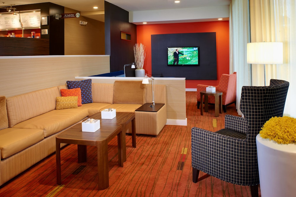 Lobby, Courtyard by Marriott Lexington North