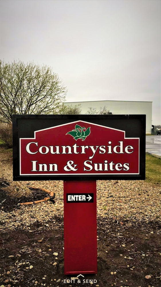 Property Entrance, Countryside Inn & Suites