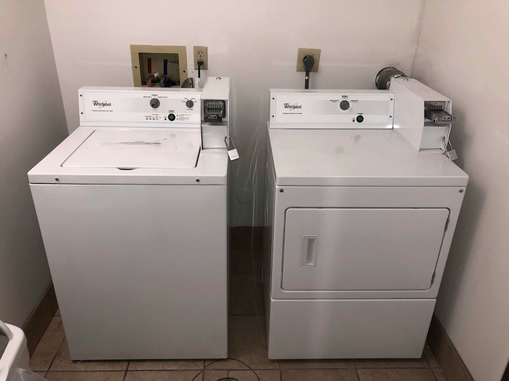 Laundry Room, Countryside Inn & Suites