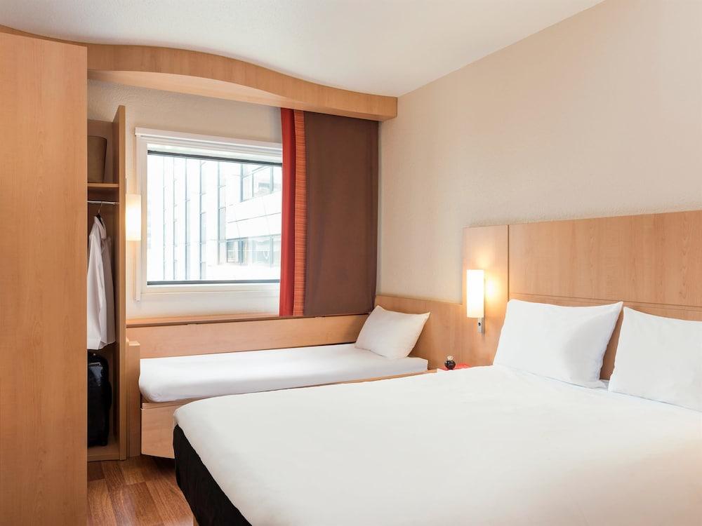 Hotel Ibis La Defense Paris