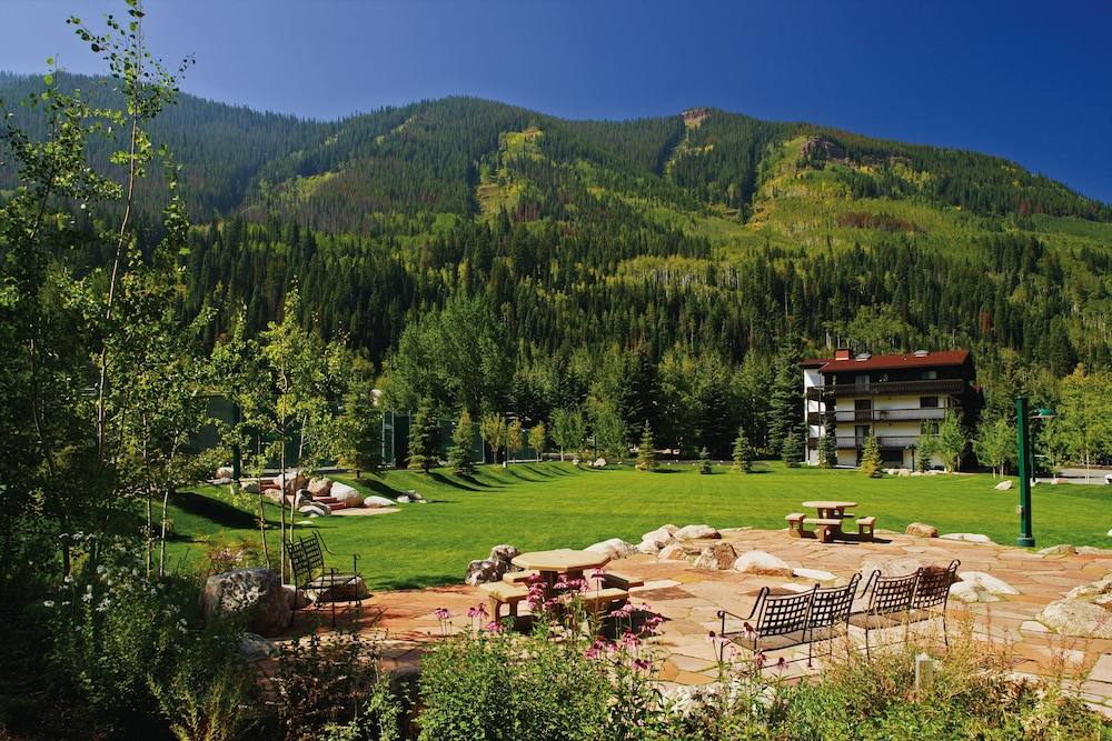 BBQ/Picnic Area, Vail Racquet Club Mountain Resort