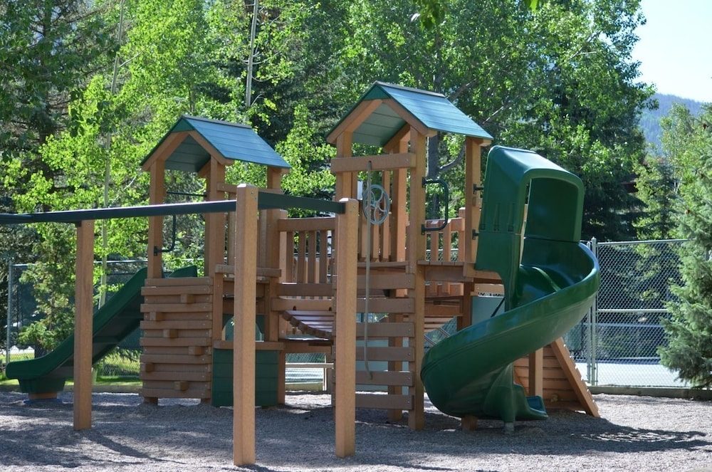 Children's Play Area - Outdoor, Vail Racquet Club Mountain Resort