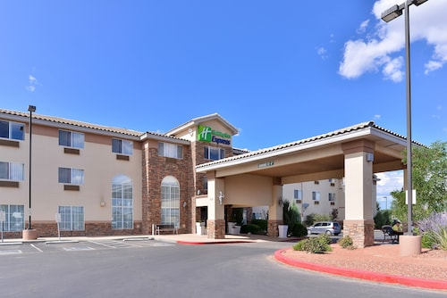 Holiday Inn Express Farmington - Bloomfield, an IHG Hotel