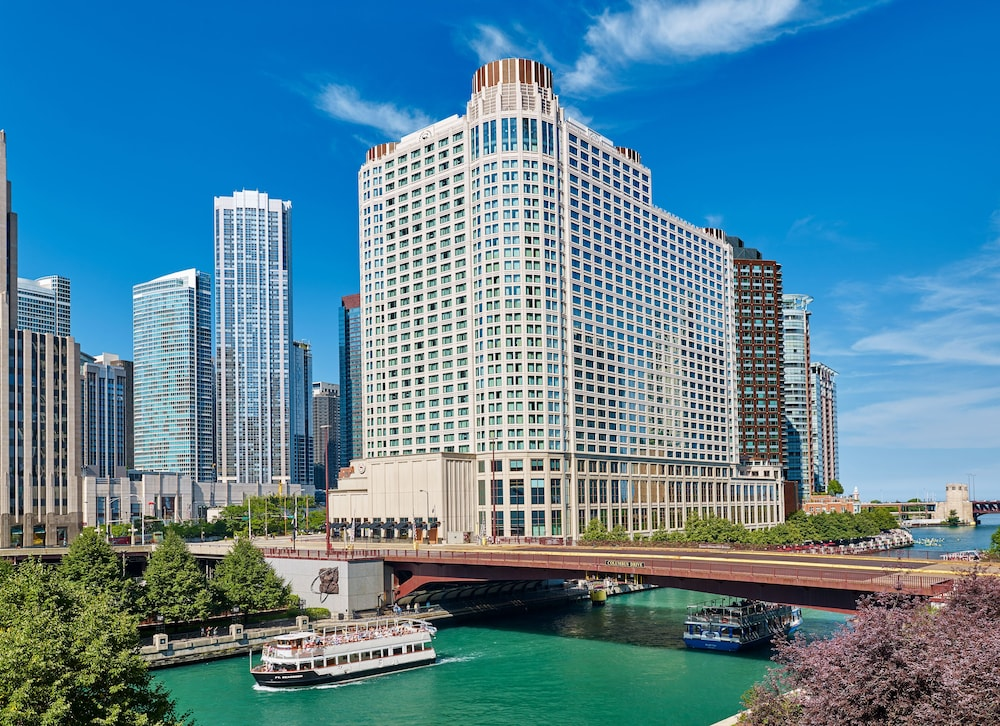 Sheraton grand chicago 2017 room prices deals reviews for Hotels 60657