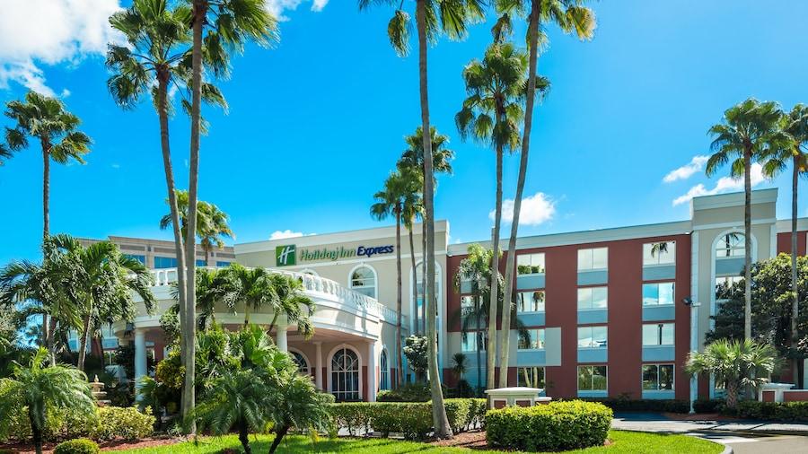 Holiday Inn Express Doral, an IHG Hotel