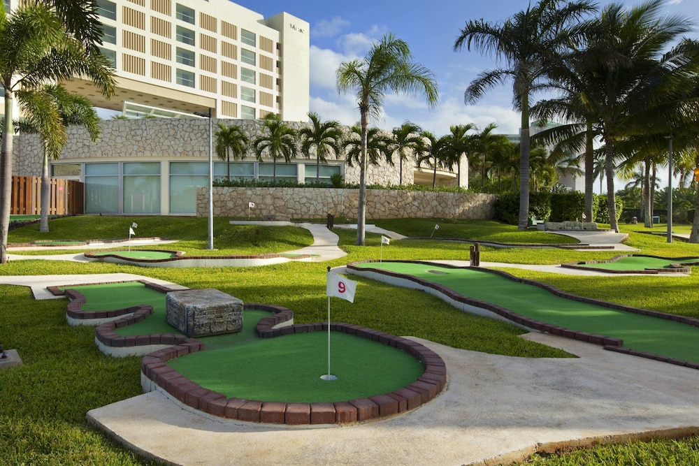Golf, The Westin Lagunamar Ocean Resort Villas & Spa, Cancun