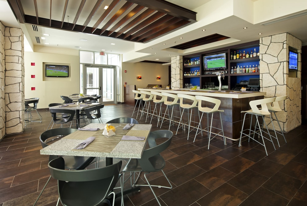 Sports Bar, The Westin Lagunamar Ocean Resort Villas & Spa, Cancun