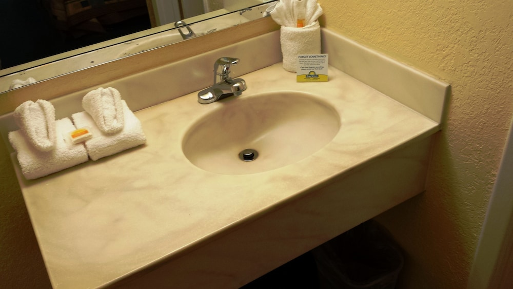 Bathroom Sink, Days Inn by Wyndham Cocoa Cruiseport West At I-95/524