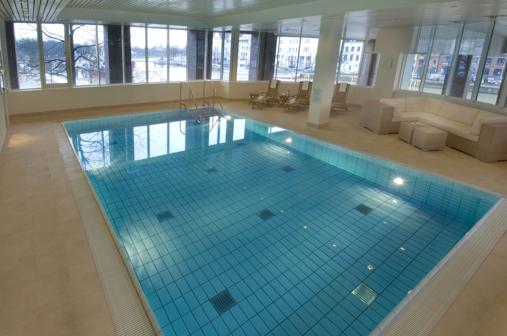 Indoor Pool, Radisson Blu Senator Hotel