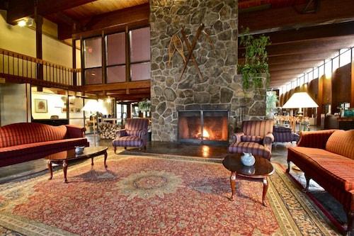 Fireside Inn Suites West Lebanon In Lebanon Hotel Rates