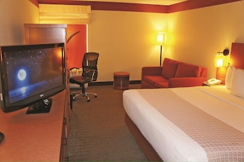 Room, 1 King Bed with Sofa bed - Guestroom