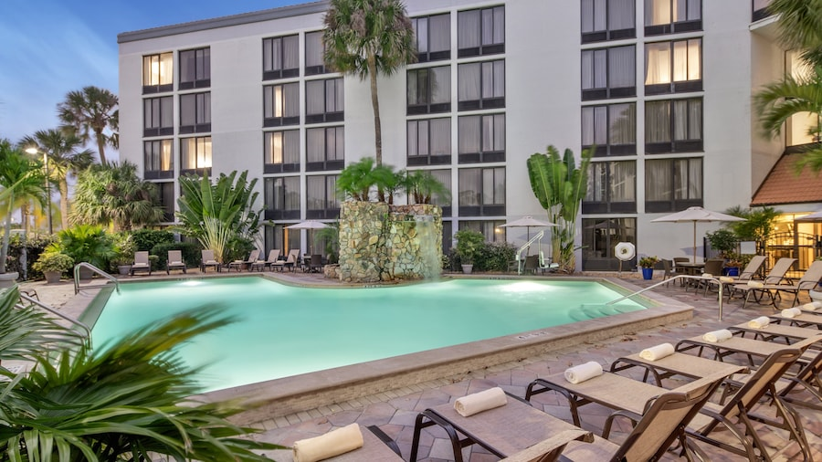 Crowne Plaza Fort Myers, an IHG Hotel