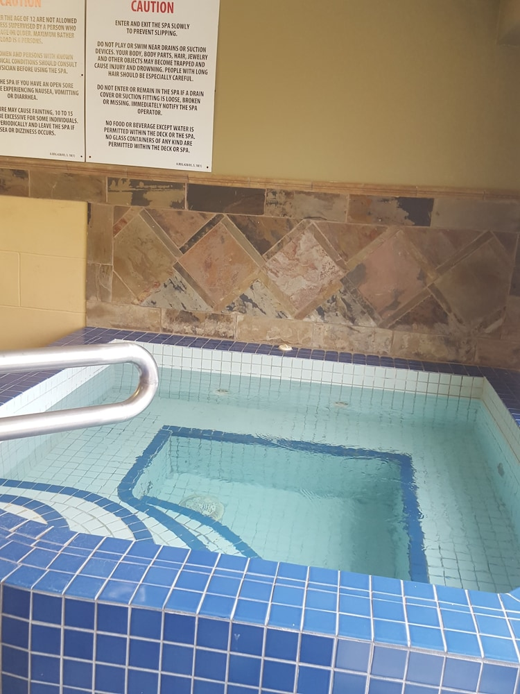 Spa, Quality Inn & Suites