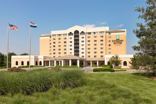 Embassy Suites Hotel Kansas City - International Airport