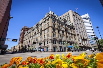 Cincinnatian Hotel