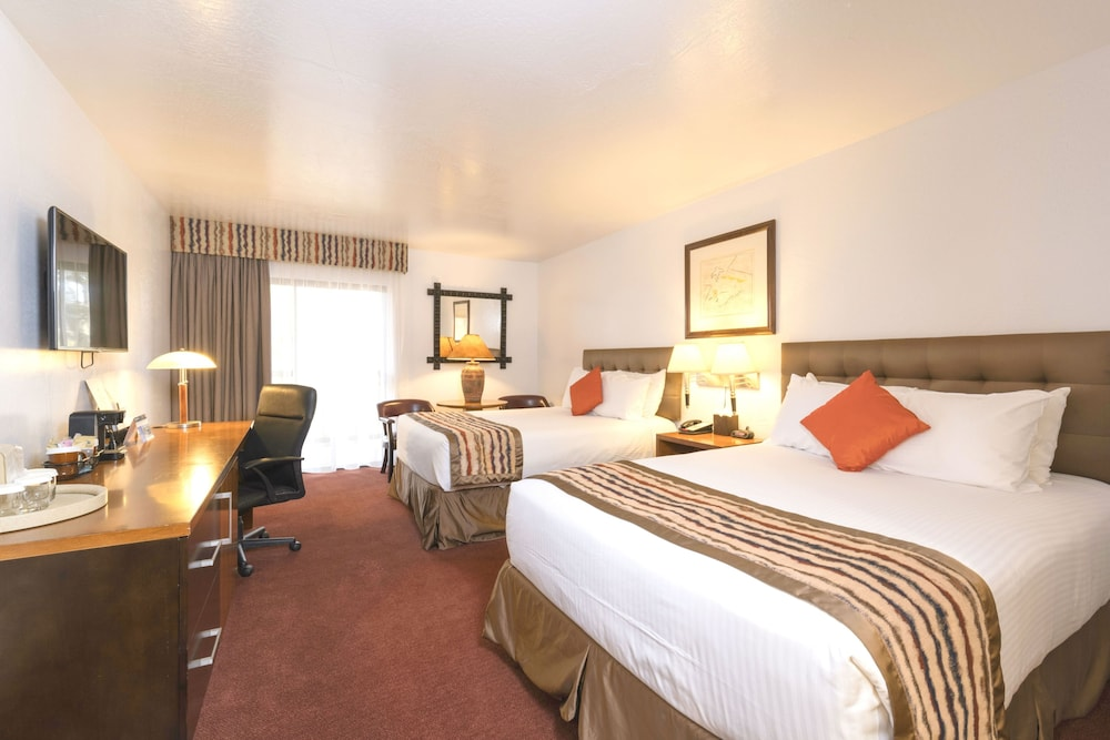 Room, Grand Canyon Plaza Hotel