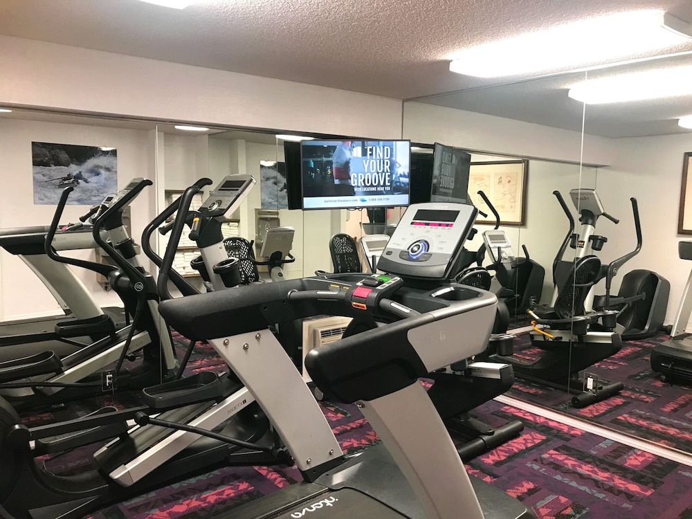 Fitness Facility, Grand Canyon Plaza Hotel