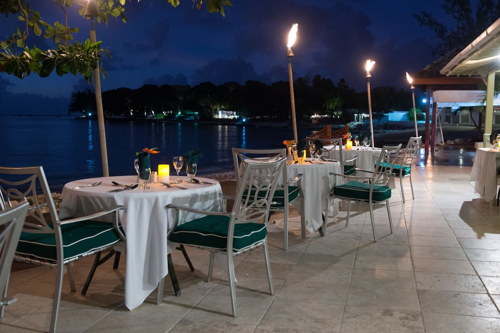 Outdoor Dining, Mango Bay All Inclusive