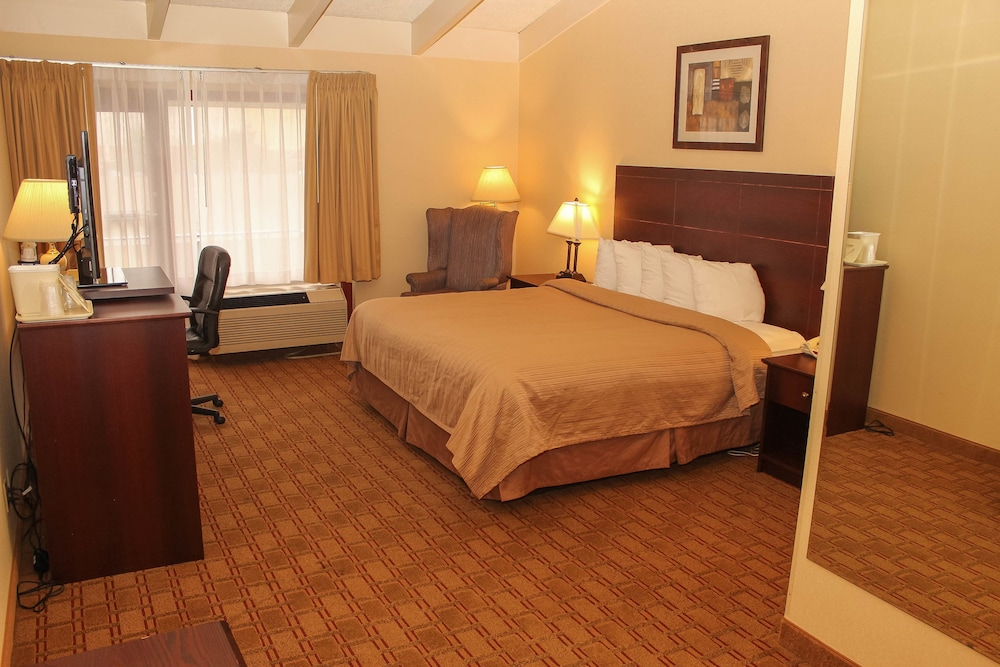 Room, Quality Inn Airport