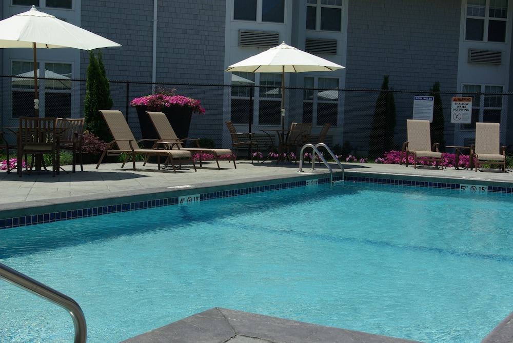 Pool, Holiday Inn Hyannis, an IHG Hotel