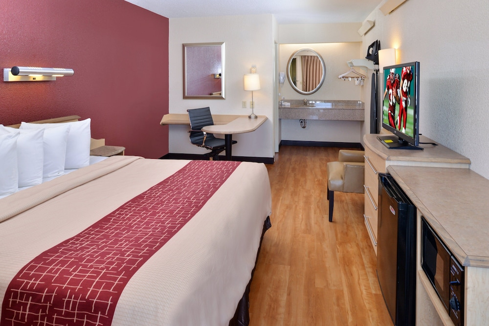 Room, Red Roof Inn Chicago - Northbrook/Deerfield