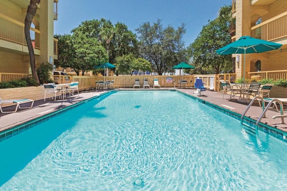 Seaworld San Antonio Hotel Deals