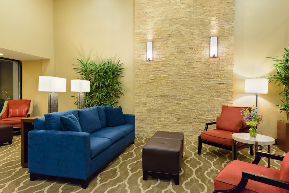 Lobby Sitting Area, Comfort Inn St Louis - Westport