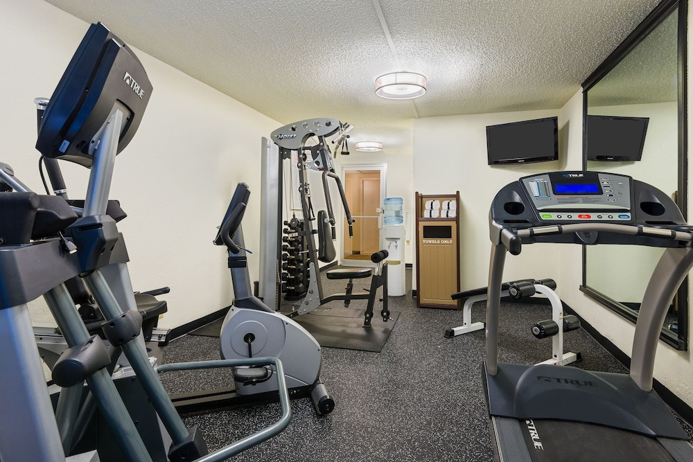 Gym, Comfort Inn St Louis - Westport