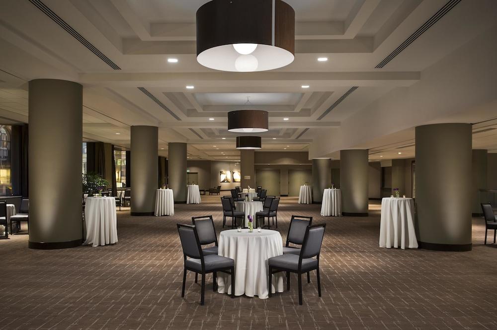 parc 55 san francisco a hilton hotel in san francisco. Black Bedroom Furniture Sets. Home Design Ideas