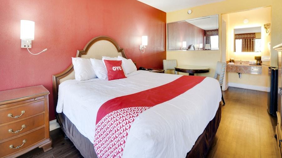 OYO Hotel Wade/Fayetteville I-95 South