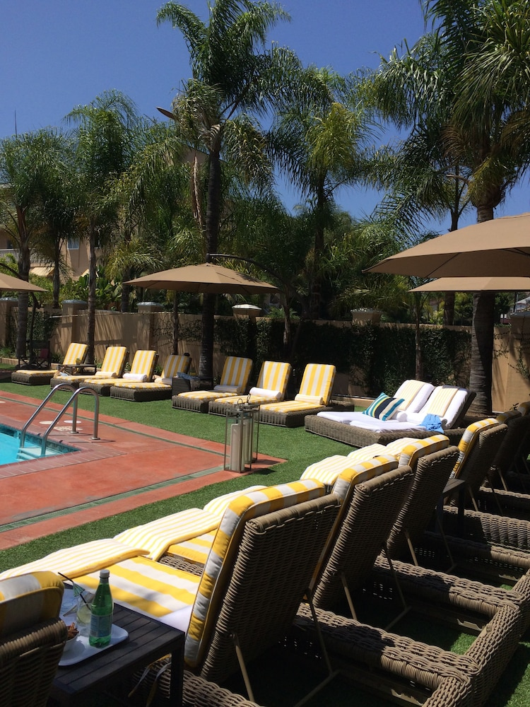 Outdoor Pool, Hollywood Hotel - The Hotel of Hollywood