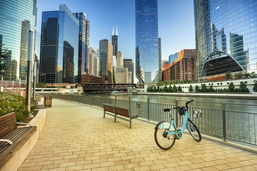 Bicycling, Hilton Chicago