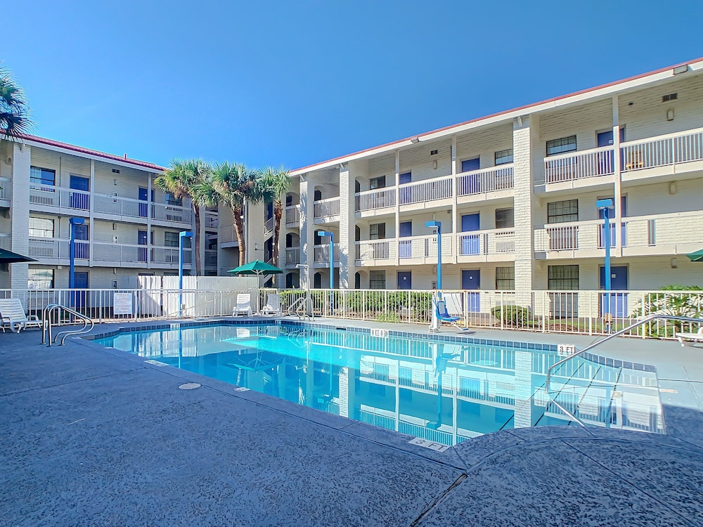 Featured Image,  A-P-T Suites Jacksonville
