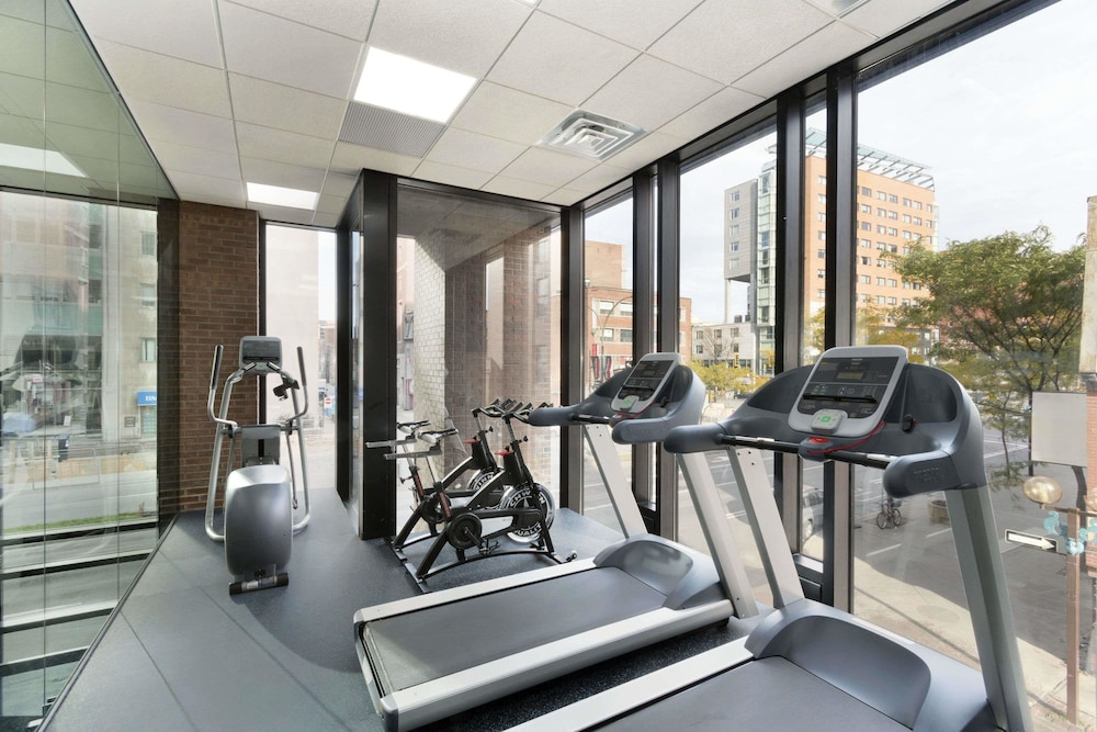 Fitness Facility, Travelodge Hotel by Wyndham Montreal Centre