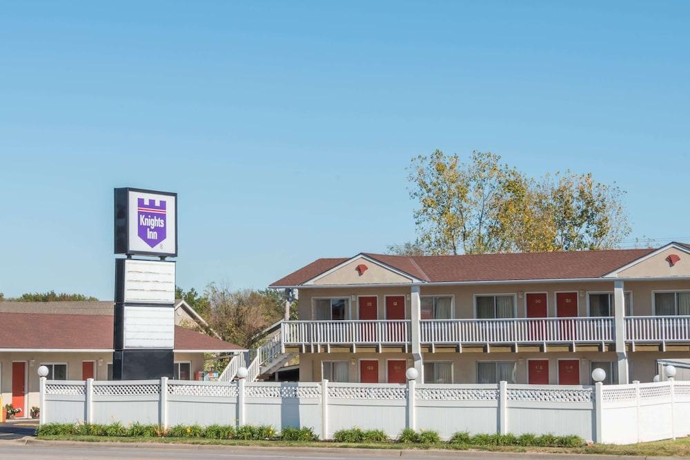 1 Star Hotels