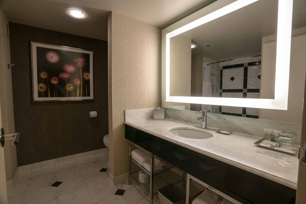 Bathroom, MGM Grand Hotel & Casino