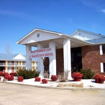 Blue Ribbon Inn And Suites In Sallisaw Hotel Rates Reviews On Orbitz