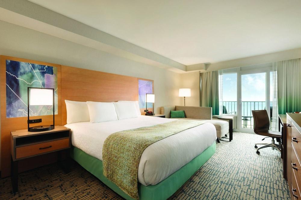 Surfbreak Oceanfront Hotel Virginia Beach