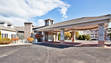 Holiday Inn Express St. Ignace-Lake Front, an IHG Hotel