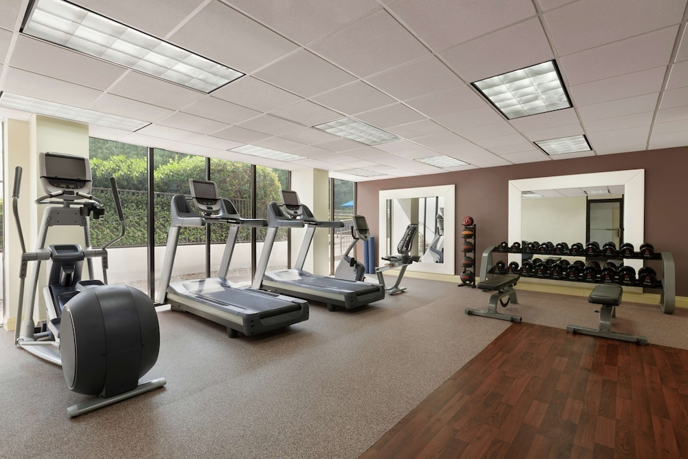 Fitness Facility, Hilton Charlotte Executive Park