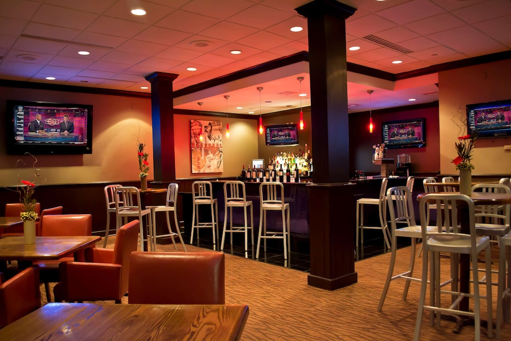 Bar, Radisson Hotel Branson