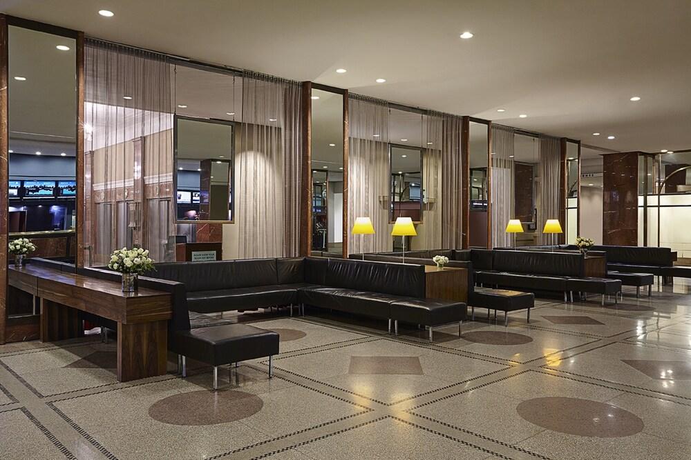 hotel pennsylvania new york etats unis. Black Bedroom Furniture Sets. Home Design Ideas