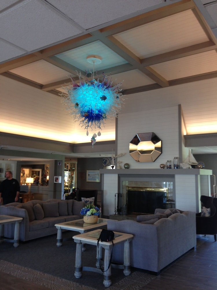 Lobby Sitting Area, Cape Codder Resort and Spa